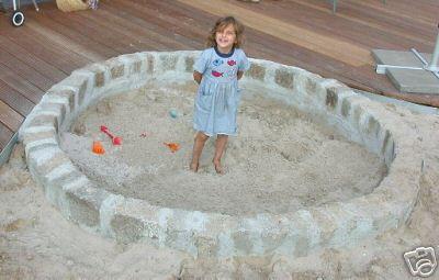 mittendrin haben wir einen sandkasten integriert. Black Bedroom Furniture Sets. Home Design Ideas